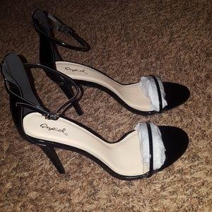 Black clear open toe strap heal